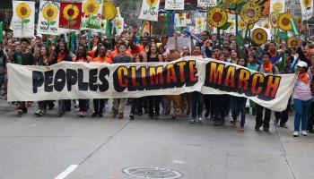 ClimateMarch-15141210048_990a1279b3_k